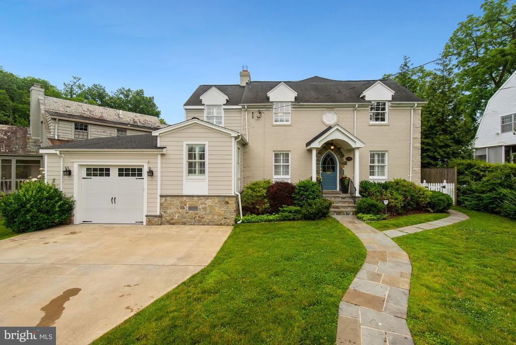 Gorgeous, expanded, updated Battery Park home. - 7907 GLENBROOK RD, BETHESDA