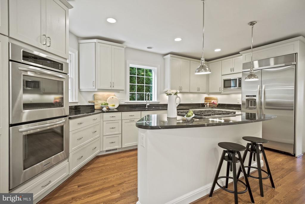 Stainless steel appliances, double wall oven - 7907 GLENBROOK RD, BETHESDA