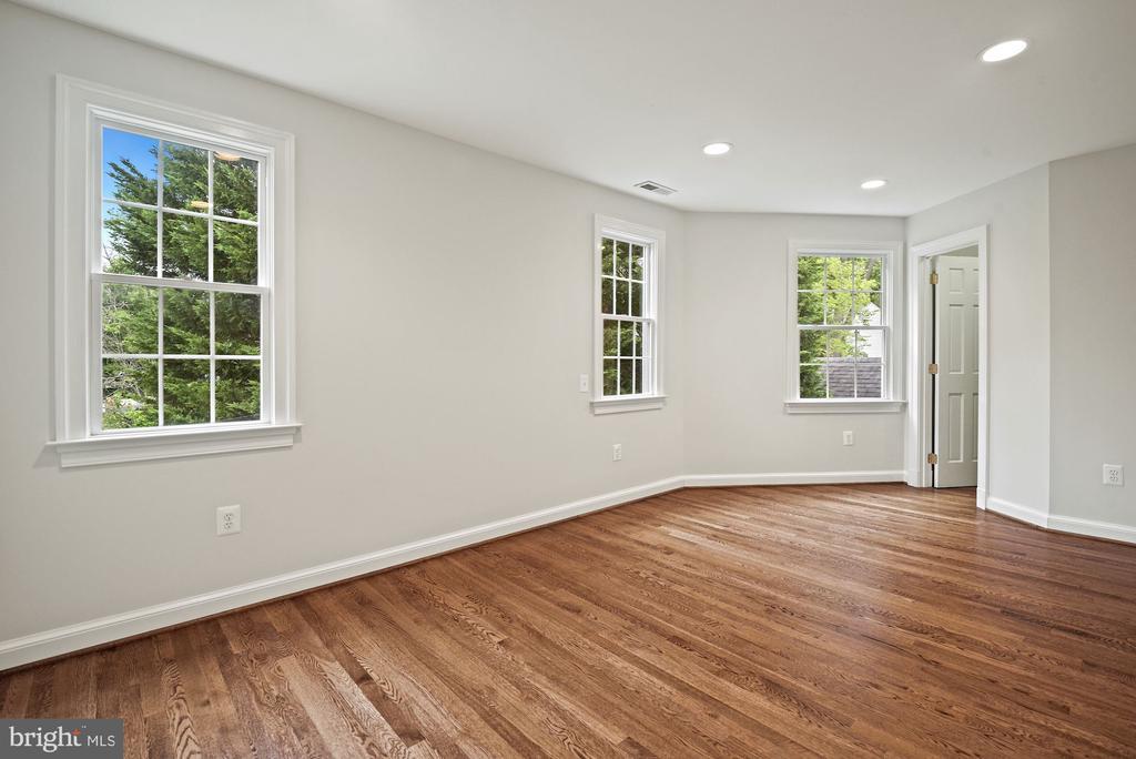 Bedroom 3, walk in closet, hardwood floors - 7907 GLENBROOK RD, BETHESDA