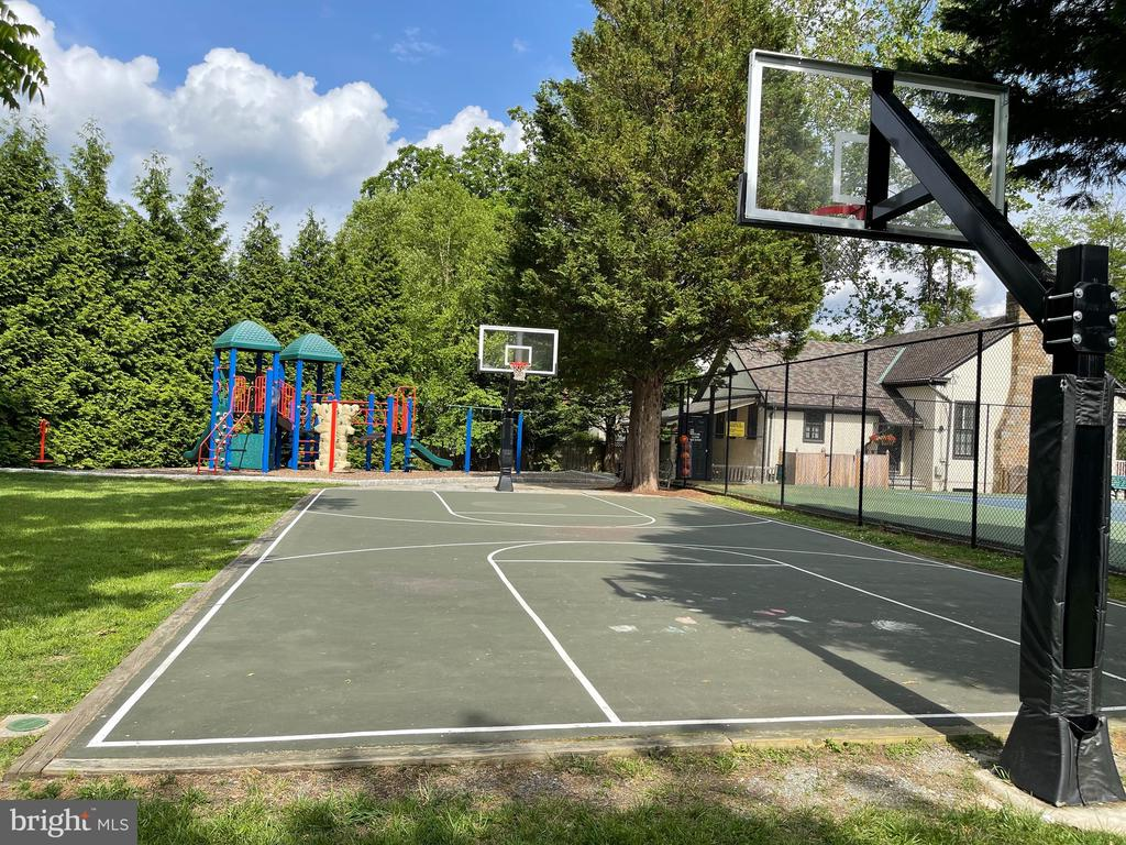 Neighborhood basketball courts - 7907 GLENBROOK RD, BETHESDA