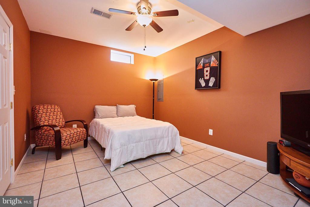 Bonus Room - 504 PAGE ST, BERRYVILLE