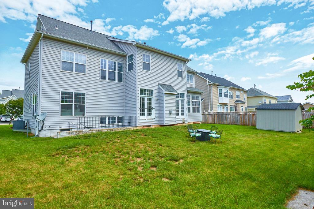 Great Backyard to BBQ & Room For a Pool - 504 PAGE ST, BERRYVILLE
