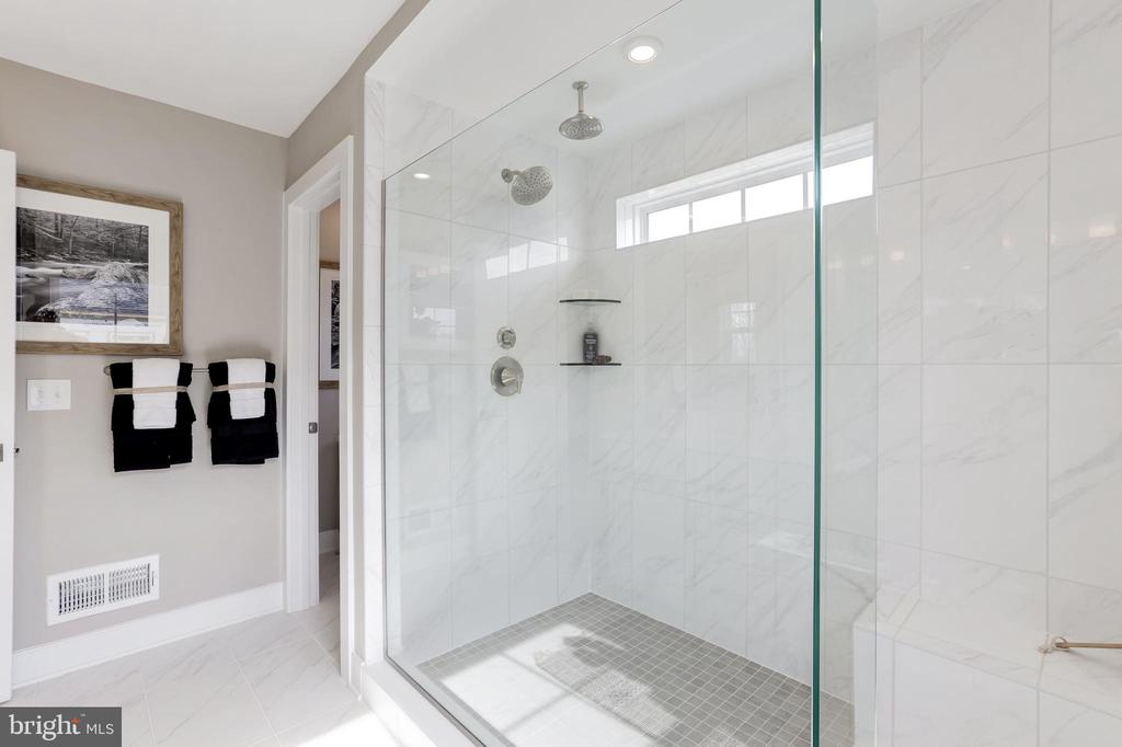 Primary Bathroom - 3456 MEADOWLARK GLEN RD, DUMFRIES