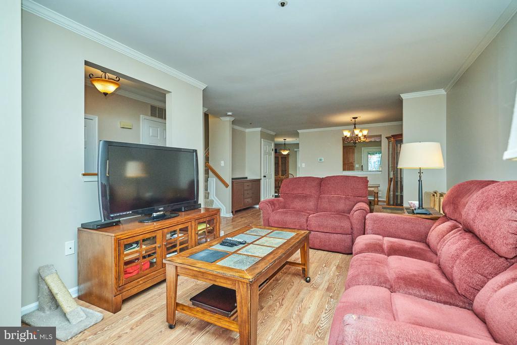 Living Room - 7937 BLUE GRAY CIR, MANASSAS