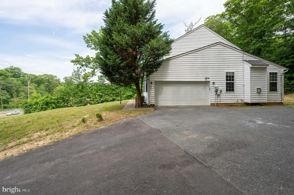 - 751 COURTHOUSE RD, STAFFORD