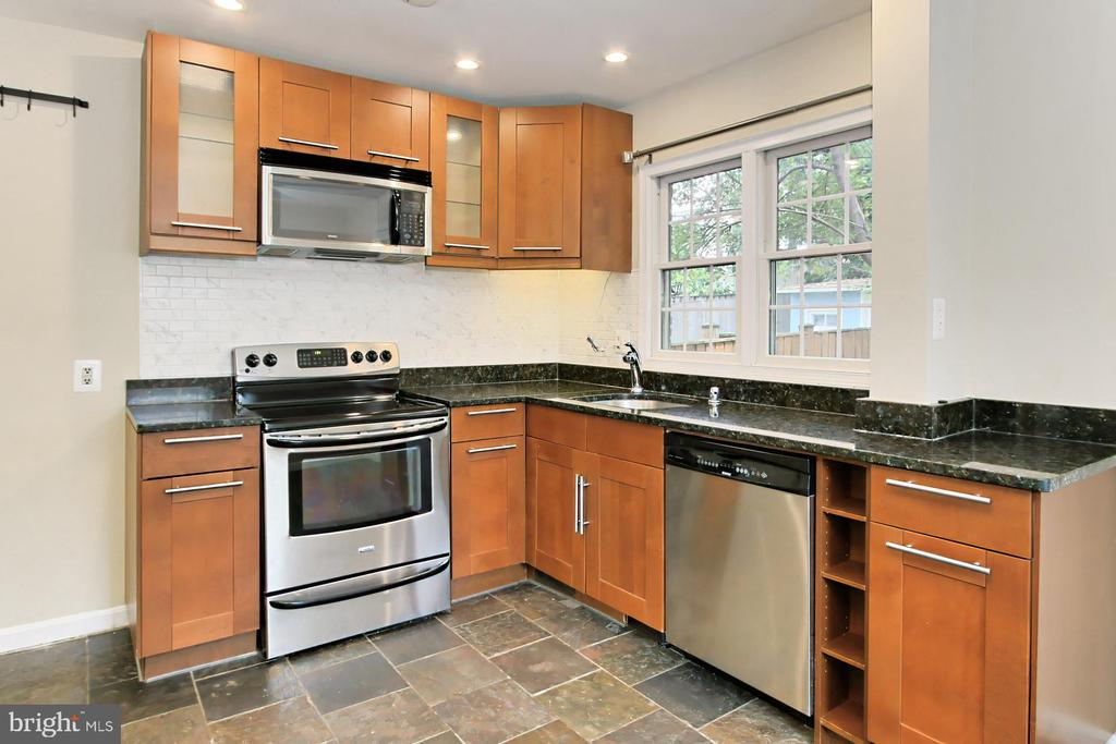 Lovely Wood Cabinetry - 2029 S OAKLAND ST, ARLINGTON