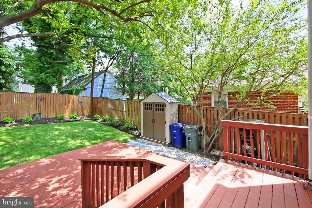 New and Charming Storage Shed with Gravel Walk - 2029 S OAKLAND ST, ARLINGTON