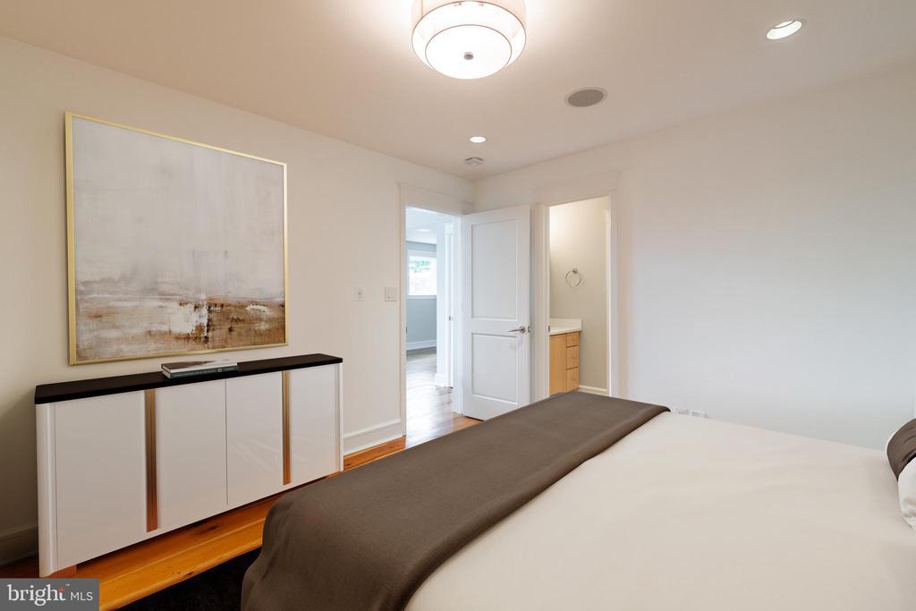Upper Level Bedroom  1 with jack and jill bath - 5075 POLK AVE, ALEXANDRIA