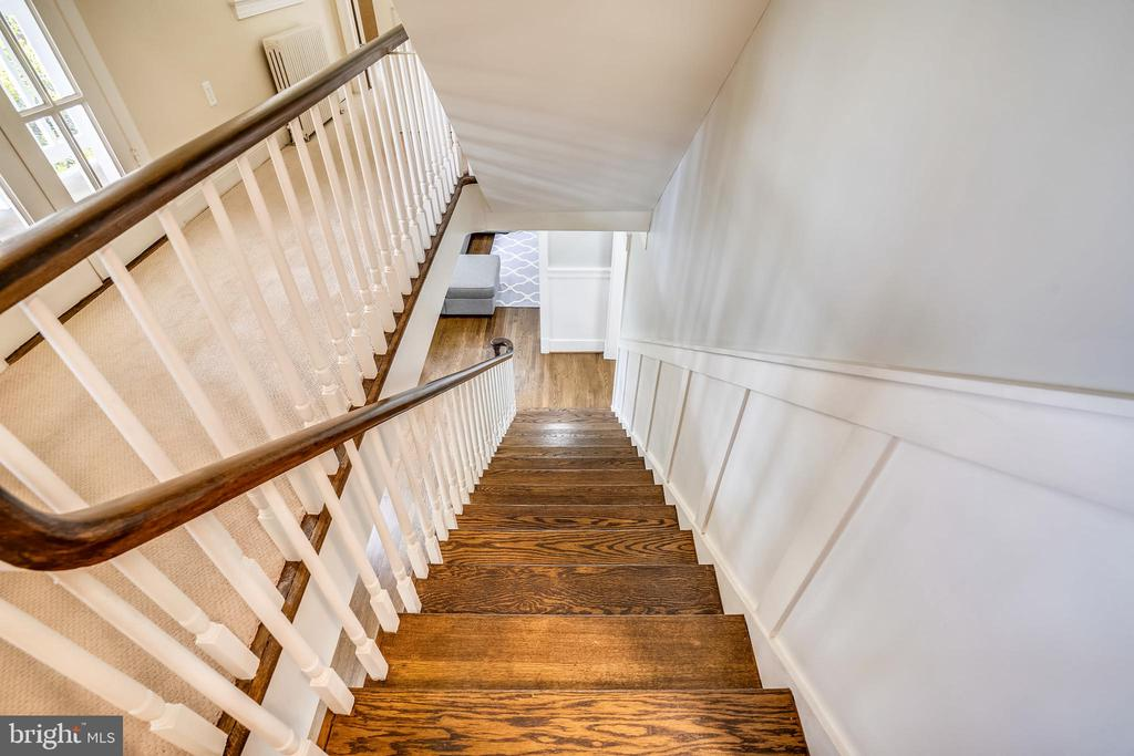 Georgeous hardwood floors throughout - 900 MCCENEY AVE, SILVER SPRING