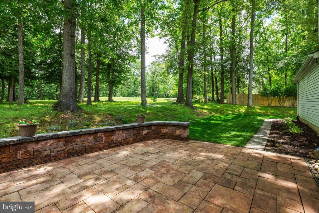 Patio Overlooking the Golf Course - 4290 CANDLESTICK CT, DUMFRIES