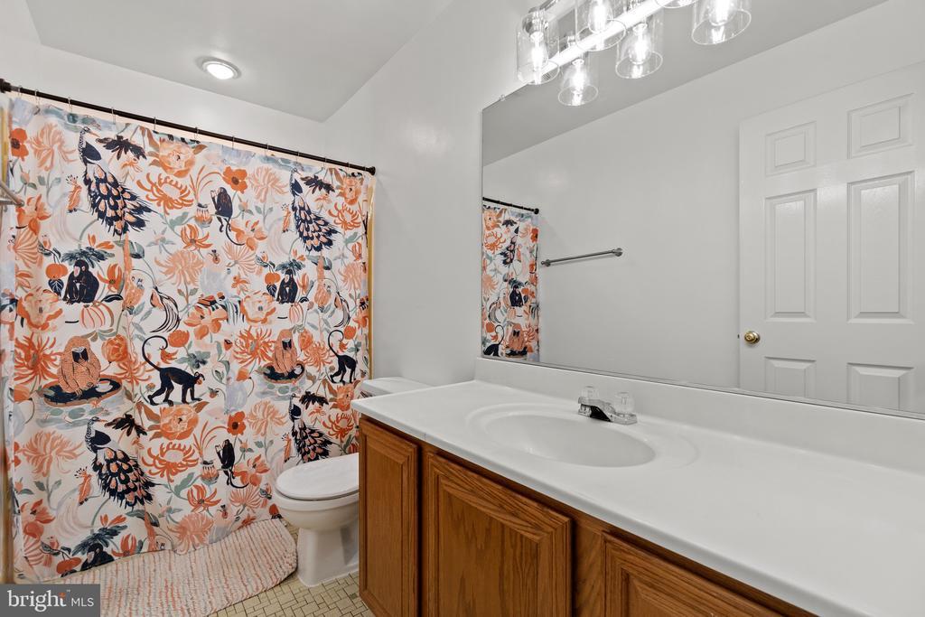 Full Bathroom 1 - 11300 LINKS CT, RESTON