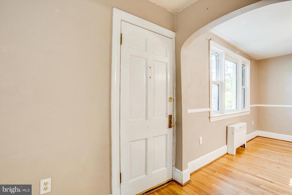 Front Door - 21358 JEFFERSON DAVIS HWY, RUTHER GLEN