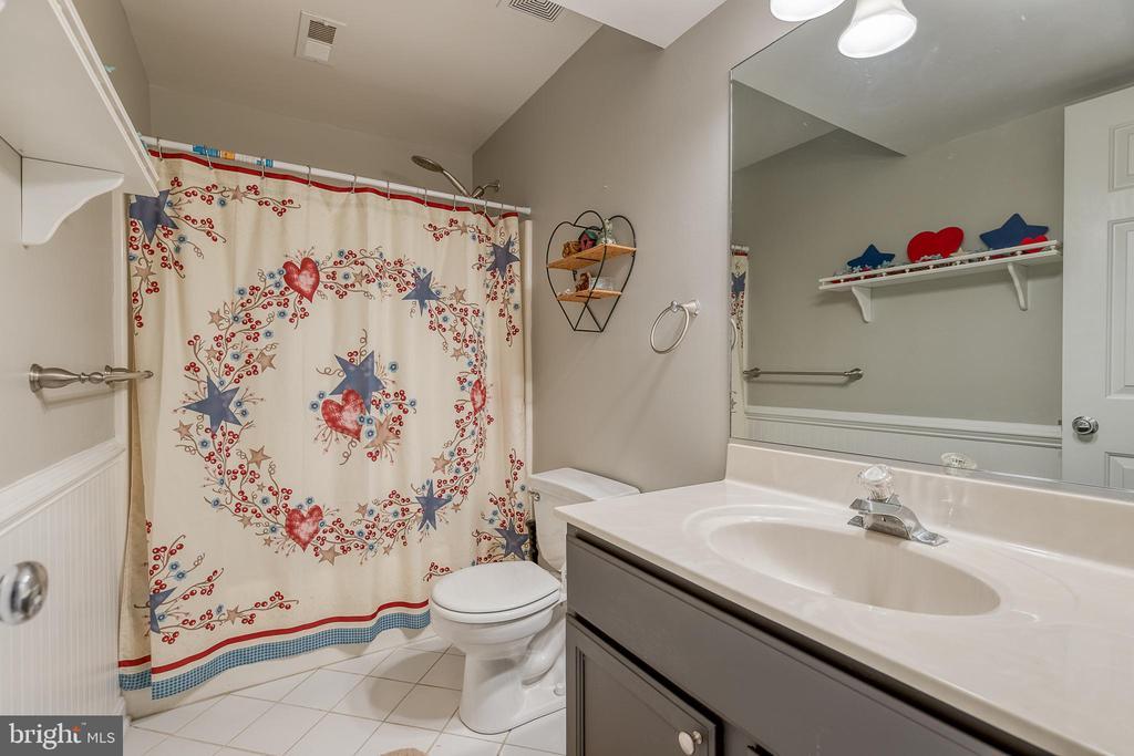 Basement full bath. - 7420 LAURA LN, FREDERICKSBURG