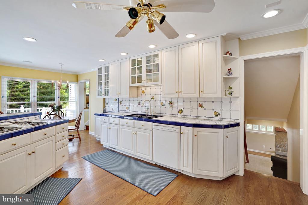 Main Level Kitchen - 10910 BELMONT BLVD, LORTON