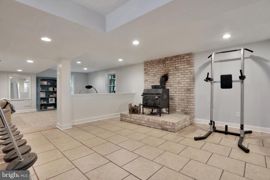 - 11302 GAMBRILL PARK RD, FREDERICK