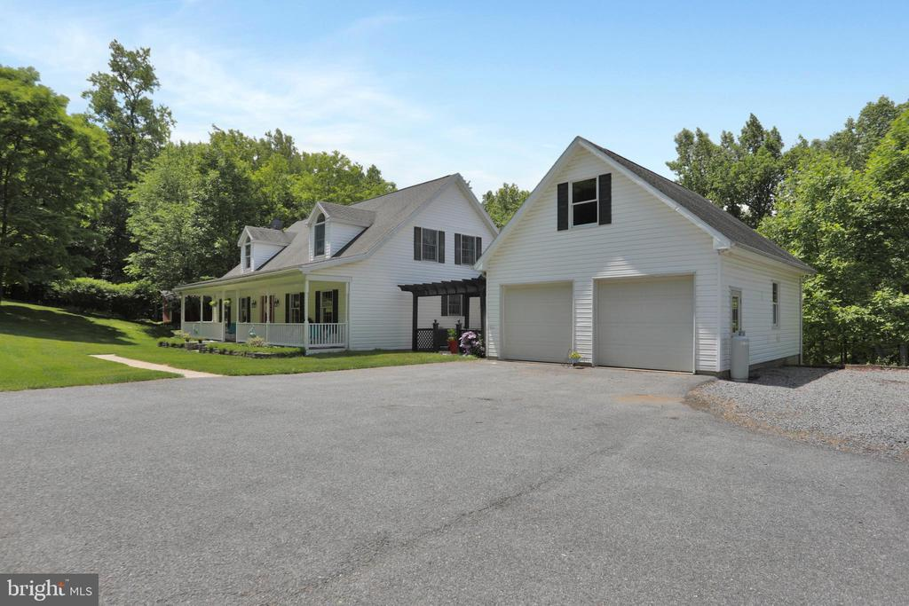 Attached Garage - 11302 GAMBRILL PARK RD, FREDERICK