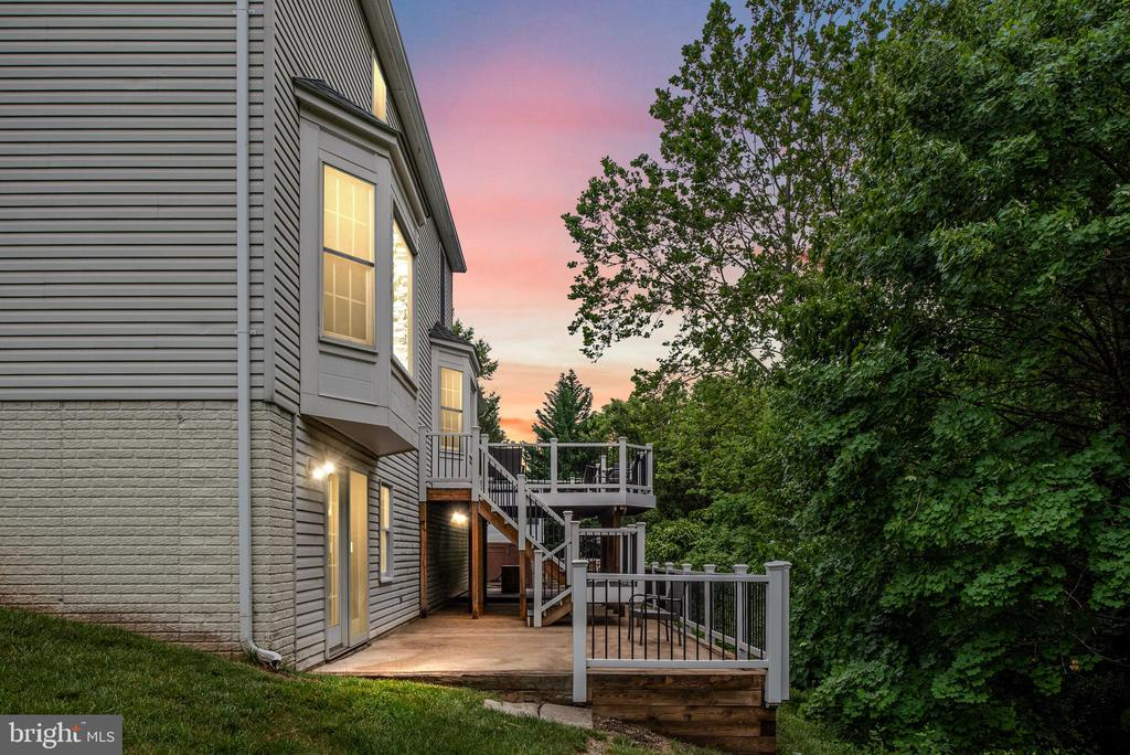 Great Outdoor Space - 9 OAKBROOK CT, STAFFORD
