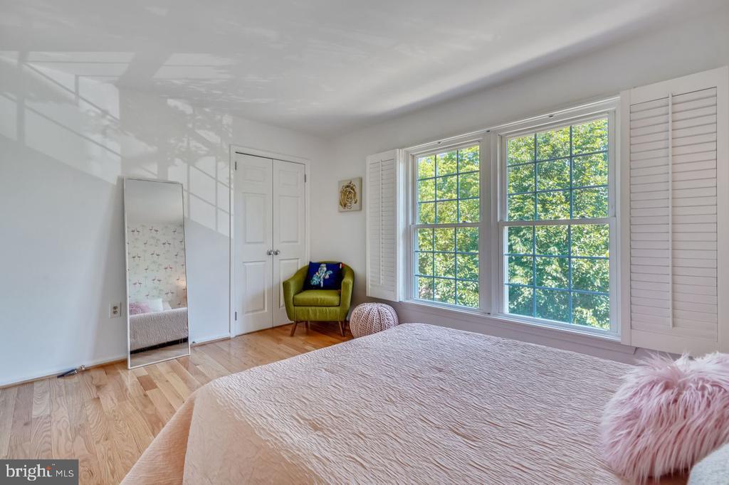 Second bedroom showing large windows - 2564-A S ARLINGTON MILL DR S #5, ARLINGTON