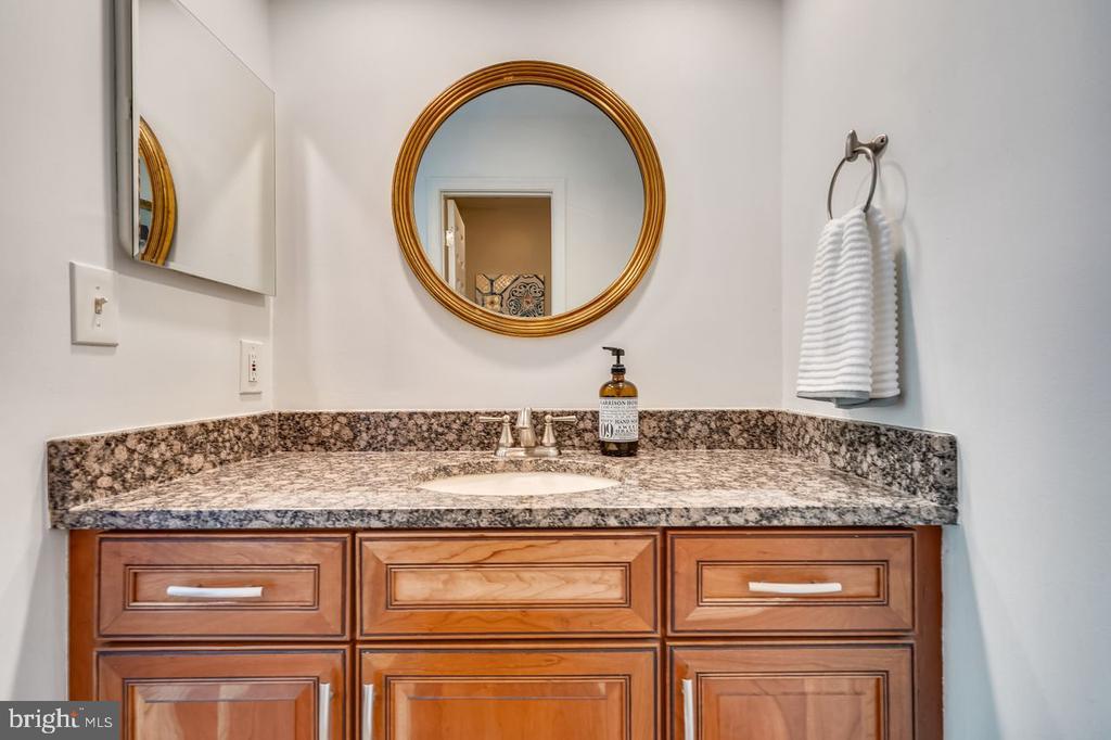 Upper level bathroom vanity - 2564-A S ARLINGTON MILL DR S #5, ARLINGTON