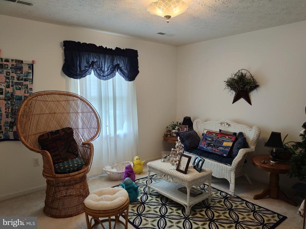 Upper bedroom. - 745 & 747 MERRIMANS LN, WINCHESTER