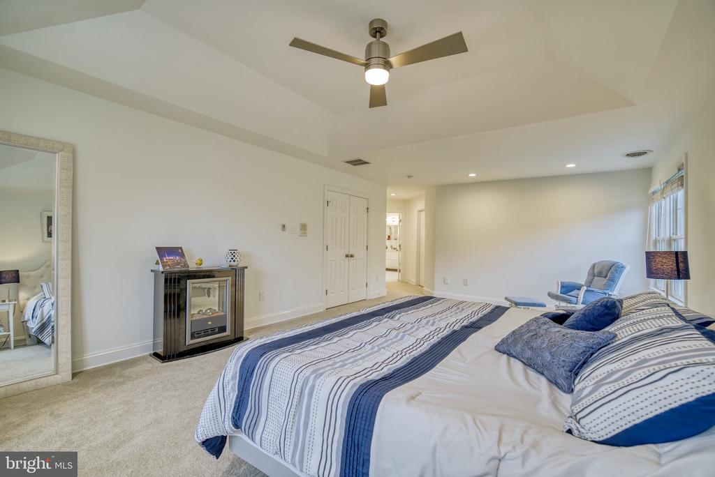 Oversized Owner's Suite... - 1202 CORTINA WAY, SEVERN