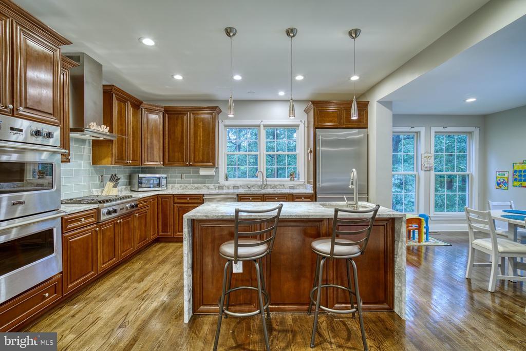 Wonderful kitchen.   The VIKING SUITE! - 1202 CORTINA WAY, SEVERN