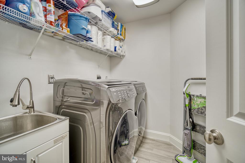 Laundry - 1202 CORTINA WAY, SEVERN