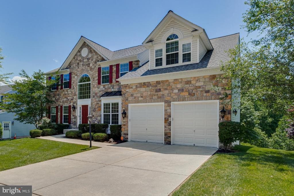 Beautiful Stone Front Colonial - 4917 TROTTERS GLEN DR, UPPER MARLBORO