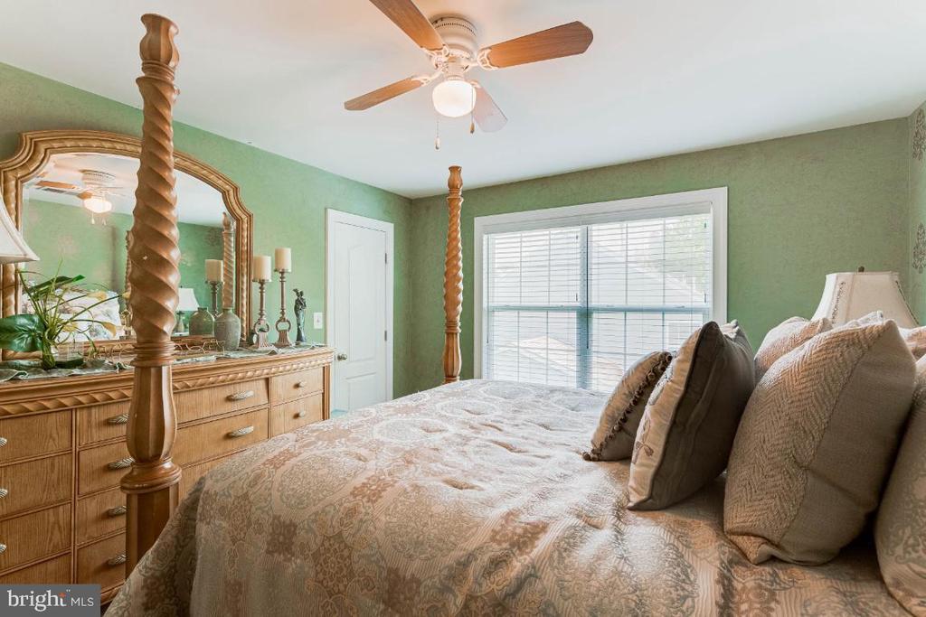 Bedroom 3 w/ Designer Painted Walls - 4917 TROTTERS GLEN DR, UPPER MARLBORO