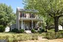 Front porch - 125 VIRGINIA AVE, BERRYVILLE