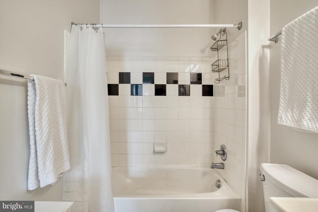 Bathroom - 11381 ARISTOTLE DR #10-210, FAIRFAX