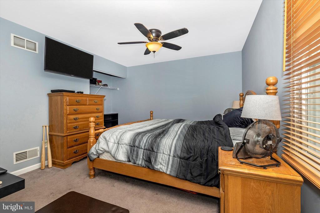 Primary Bedroom - 218 WESTVIEW DR, THURMONT