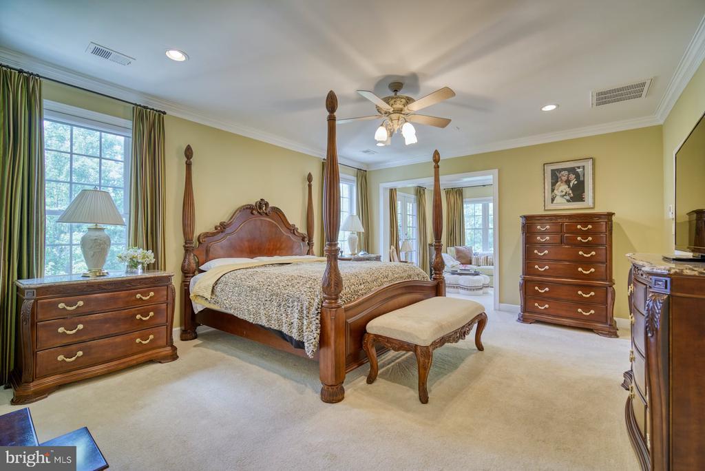 Very Spacious Primary Bedroom Suite - 42416 RINGNECK PL, BRAMBLETON