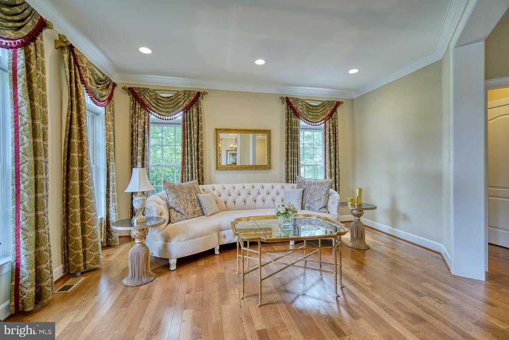 Wonderful Space for Greeting Guests - 42416 RINGNECK PL, BRAMBLETON