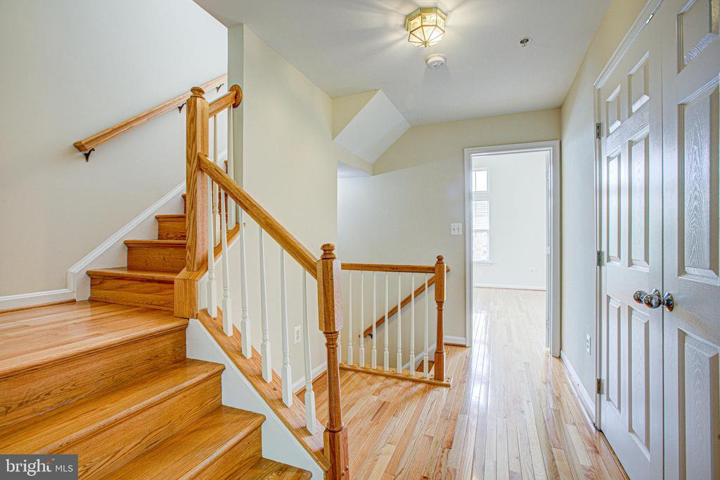 Stairway up to private 4th level loft. - 5122 KNAPP PL, ALEXANDRIA