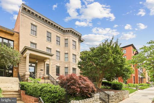 1323 CLIFTON ST NW #4