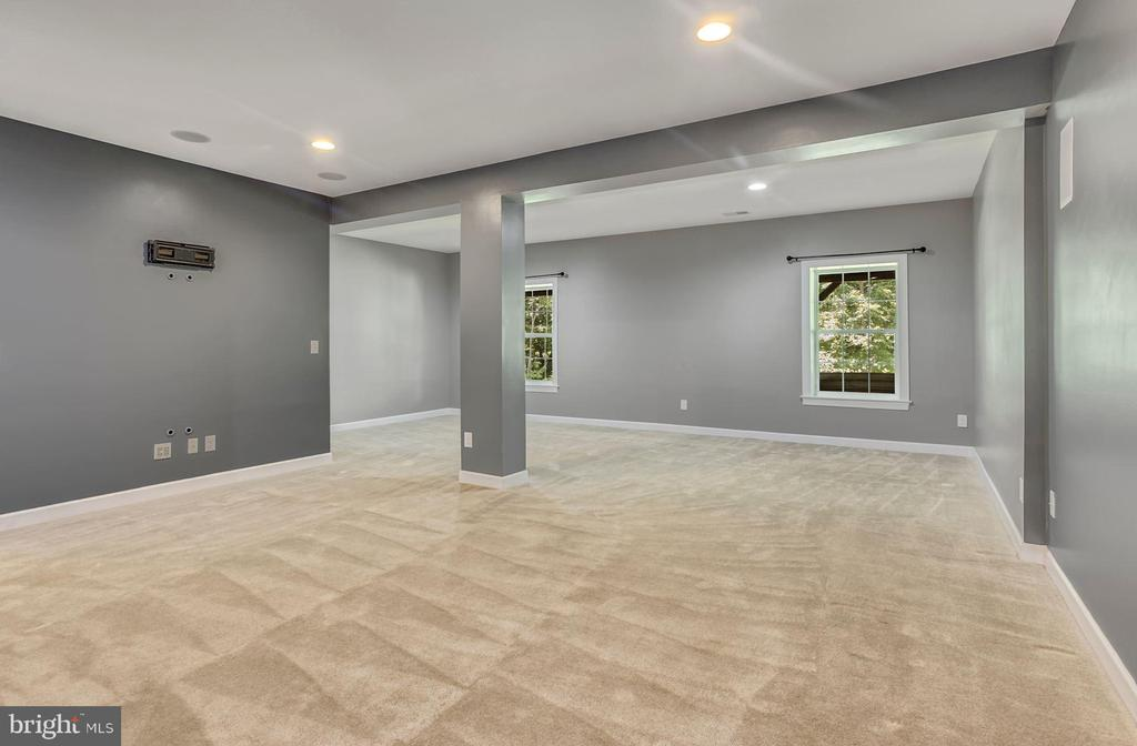 Basement bedroom or additional recreational space - 37 DONS WAY, STAFFORD