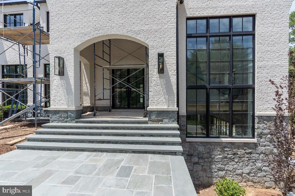 Stunning entry way with custom wrought iron doors - 1004 DOGUE HILL LN, MCLEAN
