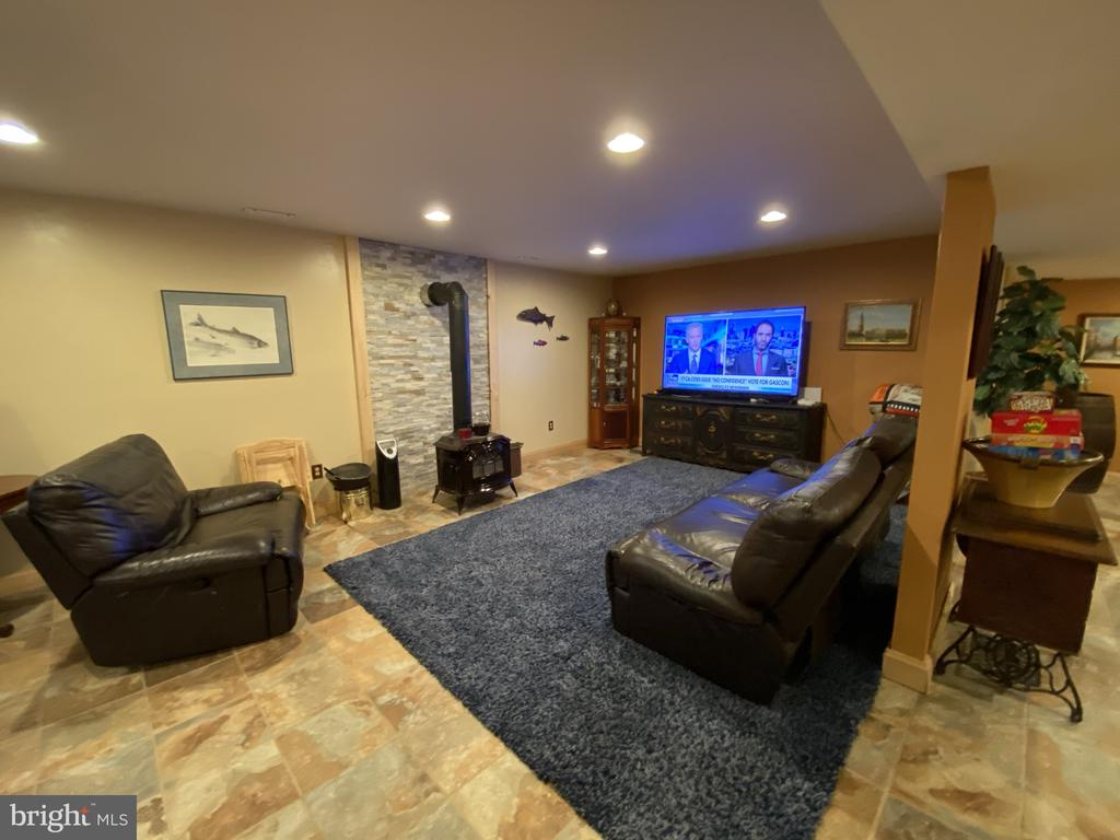 Rec Room w/ Stacked Stone Hearth & Wood Stove! - 23039 RAPIDAN FARMS DR, LIGNUM