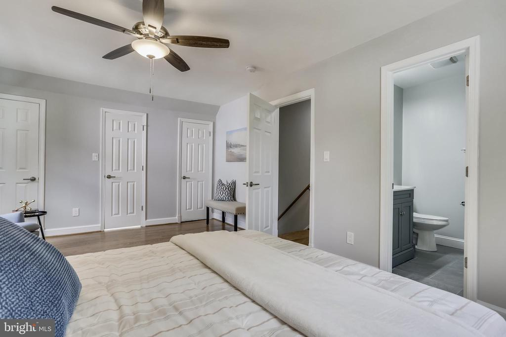 Primary suite includes 3 closets (1 walk in) - 1948 SEMINARY RD, SILVER SPRING