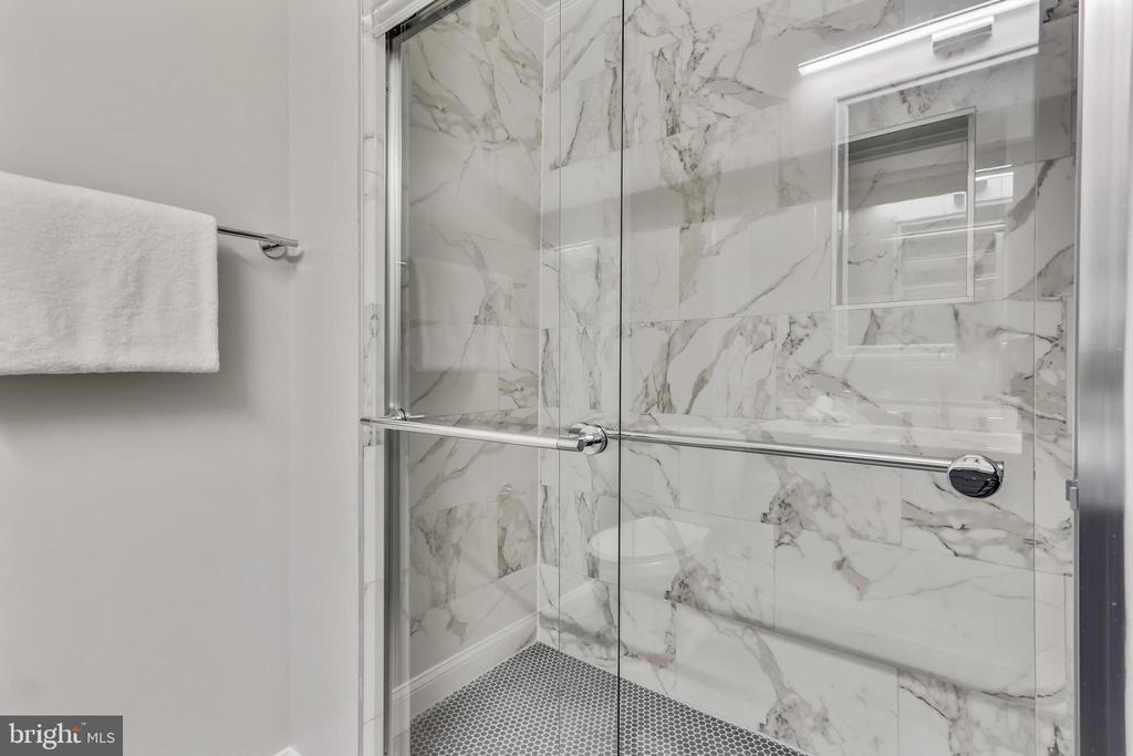 Beautiful tiled shower in ensuite bath - 1948 SEMINARY RD, SILVER SPRING