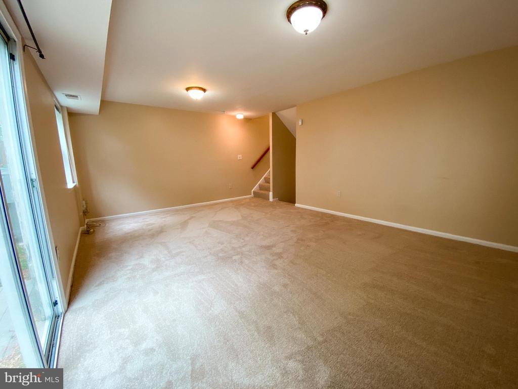 Family Room - 5450 STAVENDISH ST, BURKE