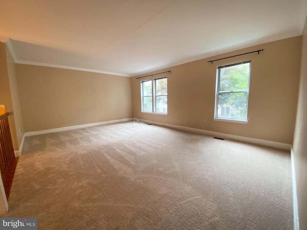 Living Room - 5450 STAVENDISH ST, BURKE