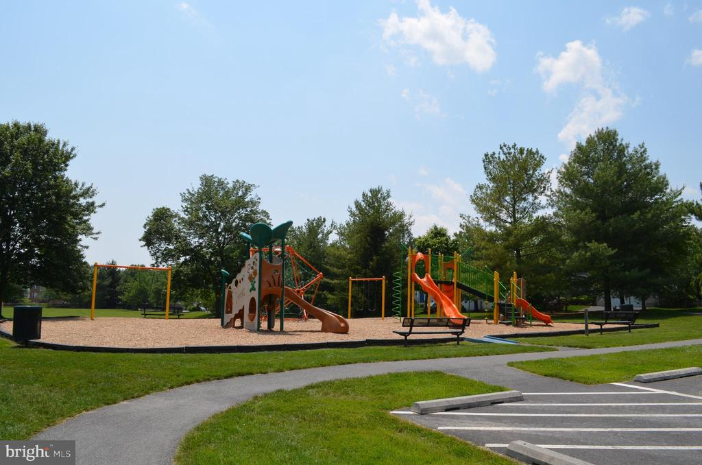 Playgrounds and tot lots - 6304 SPRING FOREST RD, FREDERICK