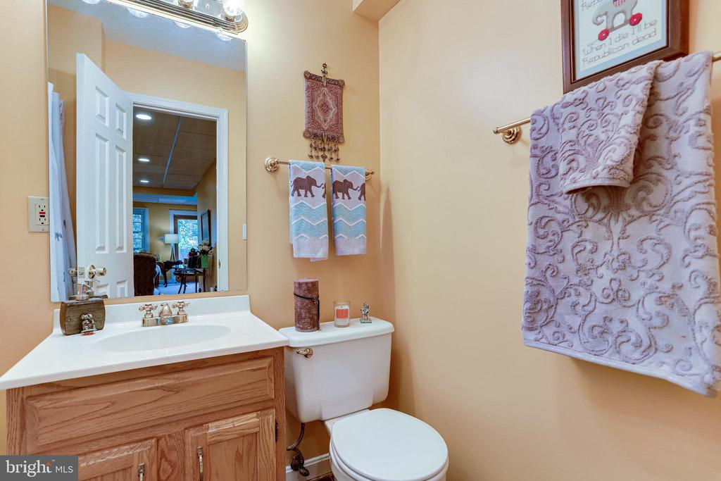 LL- Full Bathroom - 607 23RD ST S, ARLINGTON