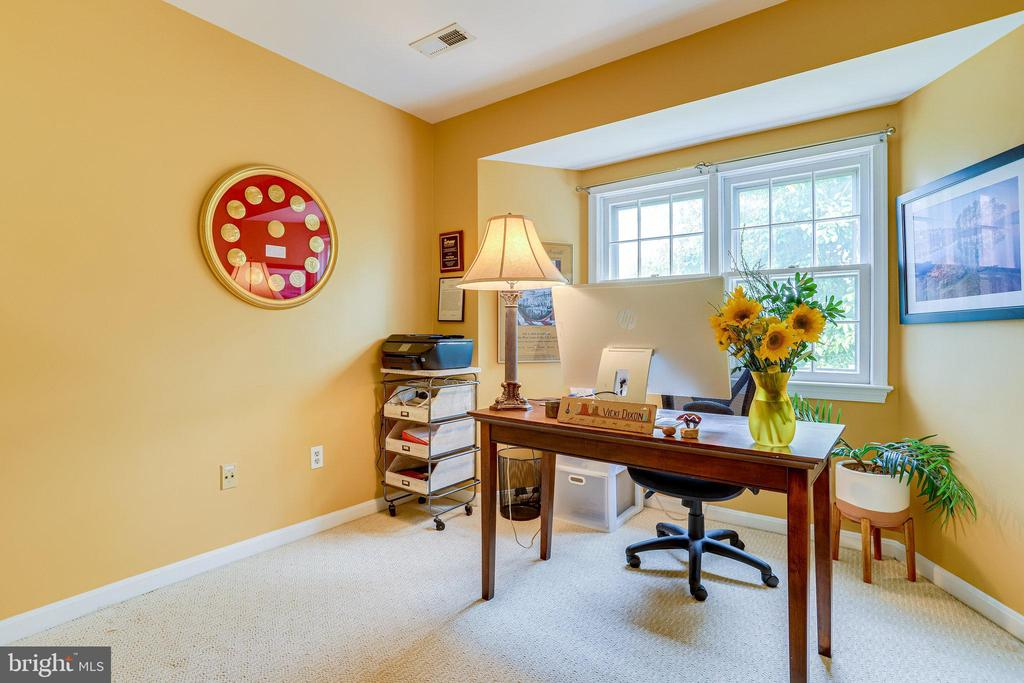 UL - Owner uses 3rd Bedroom as her Home Office - 607 23RD ST S, ARLINGTON