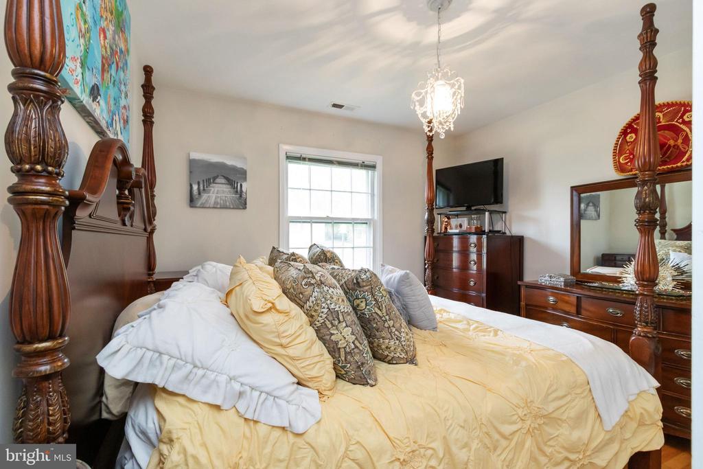 Bedroom #1 - 2504 HILLSIDE TER, WINCHESTER