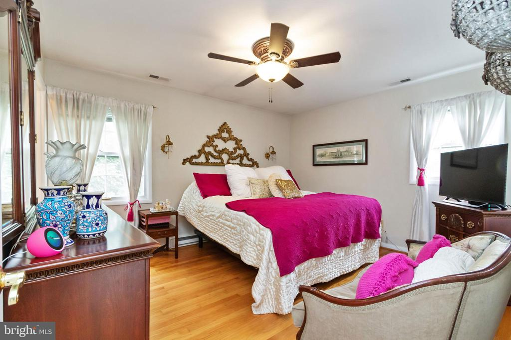 Master Bedroom - 2504 HILLSIDE TER, WINCHESTER