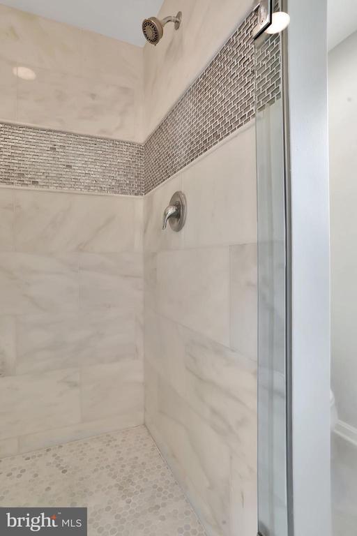 Master Bathroom - 6503 SCHNEIDER DR, MIDDLETOWN