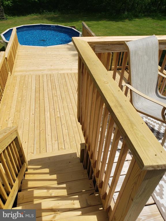 Balcony Stairs - 225 ASPEN TRL, WINCHESTER